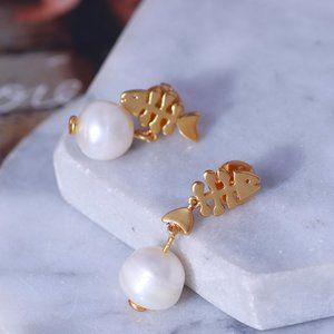 Tory Burch Fish bone Pearl Asymmetrical Earrings